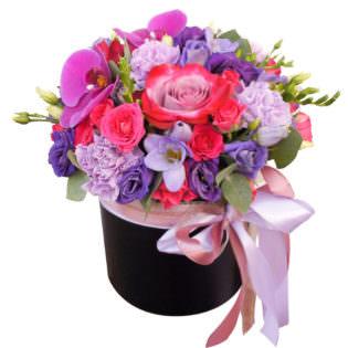Цветы в коробке «Женская мечта»